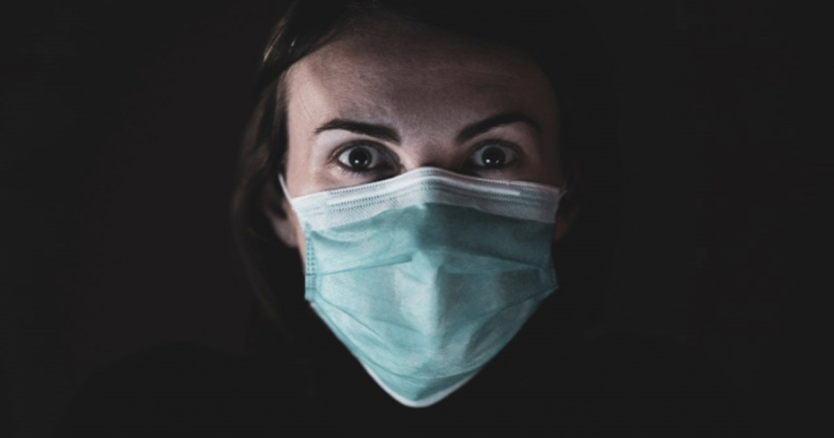You are currently viewing Face Masks Pose Serious Risks To The Healthy says Dr. Russell Blaylock