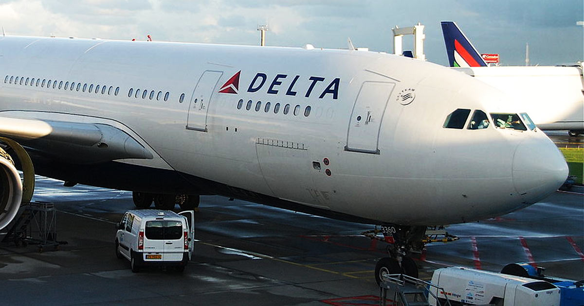 You are currently viewing Vaxxed Delta Airlines Pilot DIES IN-FLIGHT, Emergency Landing Forced. MSM Hid the Story